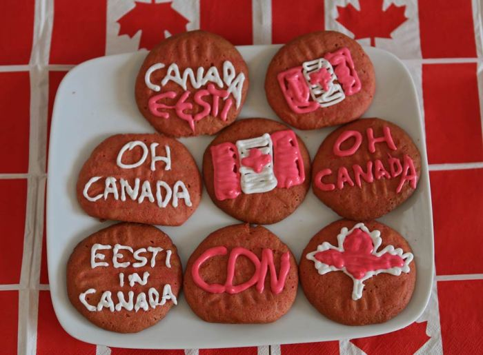 canada-day-cookies